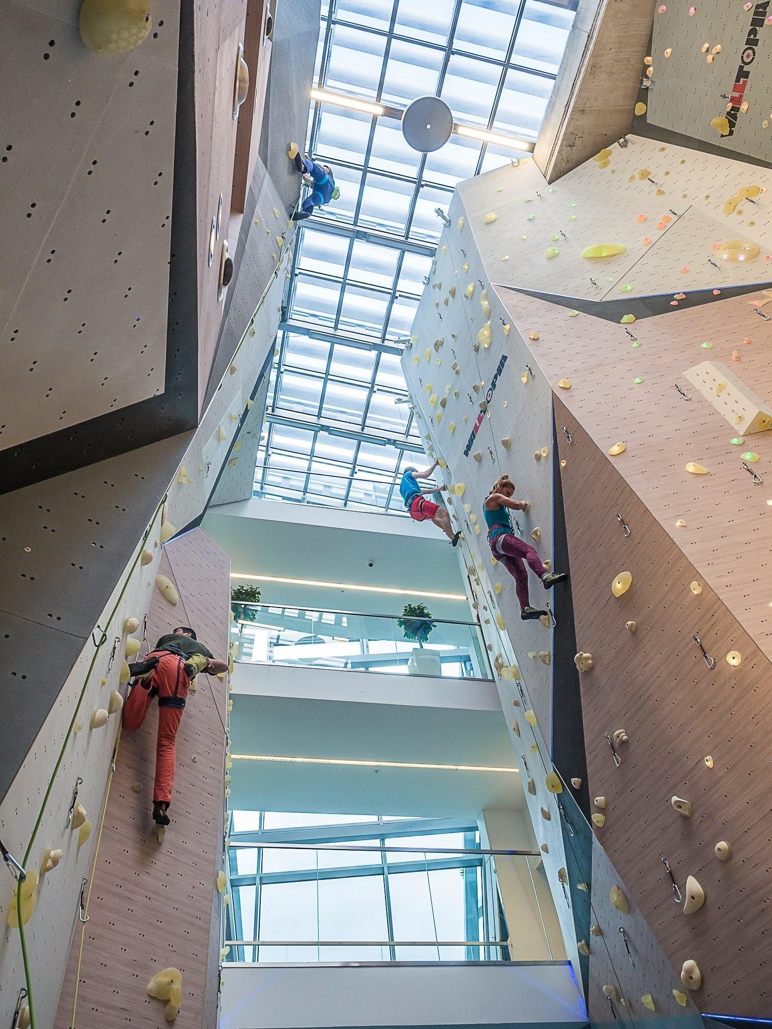 NewOffice_climbing_walls_meeting_rooms_outside (2).jpg